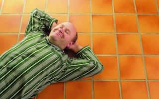 Сон на твердом полу: полезно или вредно? Обустраиваем спальное место правильно!