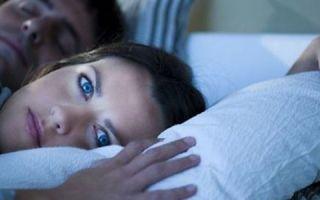 Почему повышается давление ночью во время сна: возможные причины, профилактика и лечение
