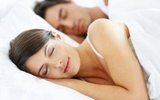 Причины потливости ночью во время сна и методы устранения симптома
